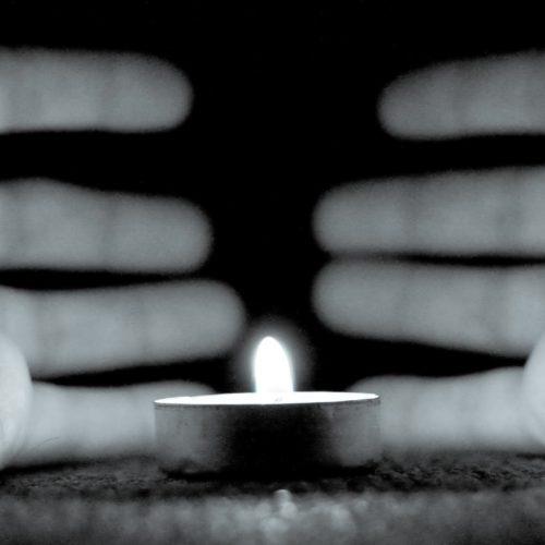 The light will illuminate the path (_MG_9505)