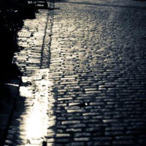 A narrow street