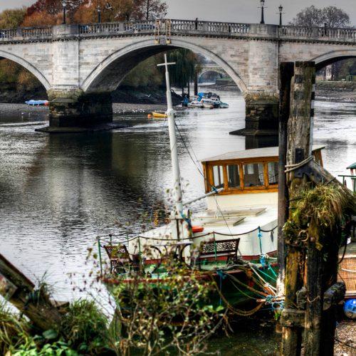 Walking along the river (_MG_9565)
